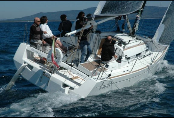 Regate Beneteau First 30
